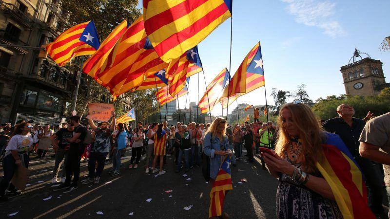 Zwolennicy niepodległości Katalonii, źródło: Flickr, fot. Beverly Yuen Thompson
