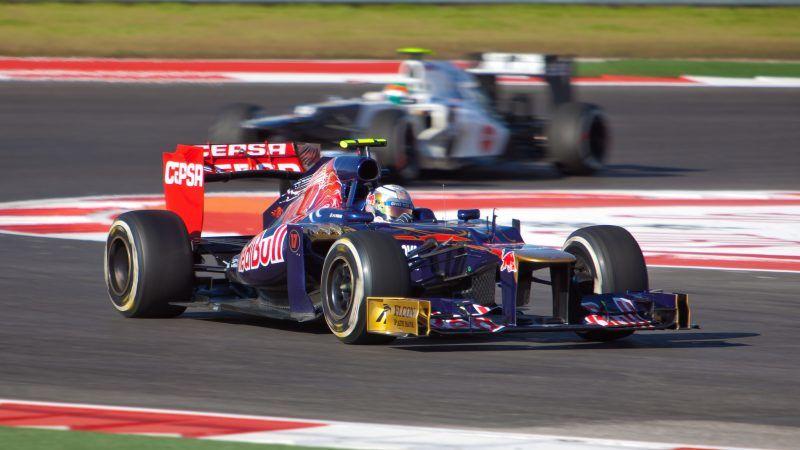Bolid Formuły 1 podczas Grand Prix USA, źródło: Flickr/silvaspot.com