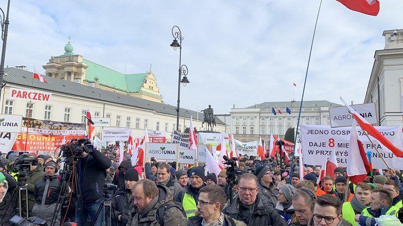 Protest rolników z AgroUnii przed Pałacem Prezydenckim w Warszawie, źródło twitter