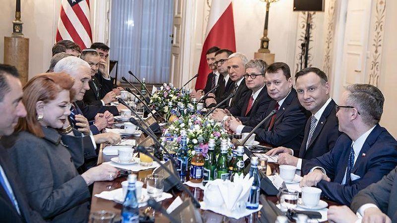 Rozmowy delegacji Polski i USA z prezydentem Andrzejem Dudą i wiceprezydentem Mikem Pencem w Warszawie, źródło Robert Suchy MON