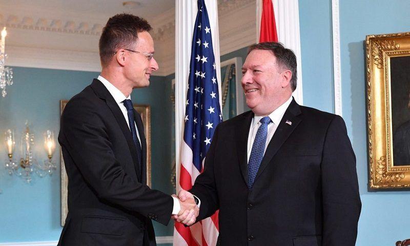 Sekretarz stanu USA Mike Pompeo i szef węgierskiej dyplomacji Péter Szijjártó, źródło ambasada USA na Węgrzech