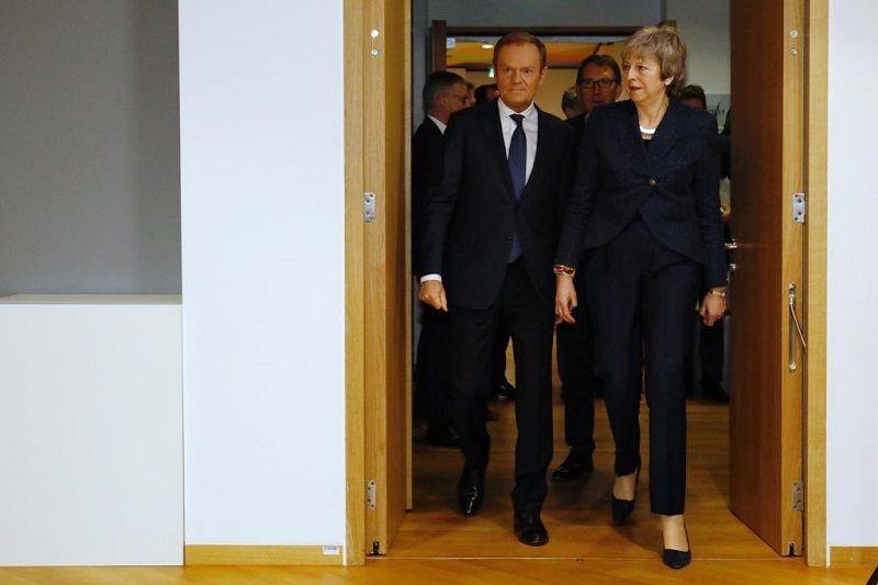 Szef Rady Europejskiej Donald Tusk i premier Wielkiej Brytanii Theresa May, źródło twitter