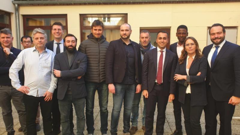 """Luigi di Maio podczas spotkania z liderami """"żółtych kamizelek"""", źródło: Twitter/@luigidimaio"""