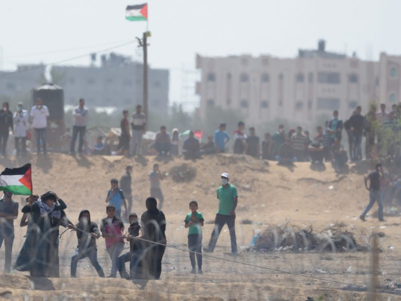 Palestyńczycy podczas zajśc w Strefie Gazu w 2018 r., źródło: Flickr/Israel Defense Forces