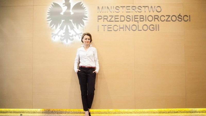 Minister przedsiębiorczości i technologii Jadwiga Emilewicz, źródło twitter za PTWP