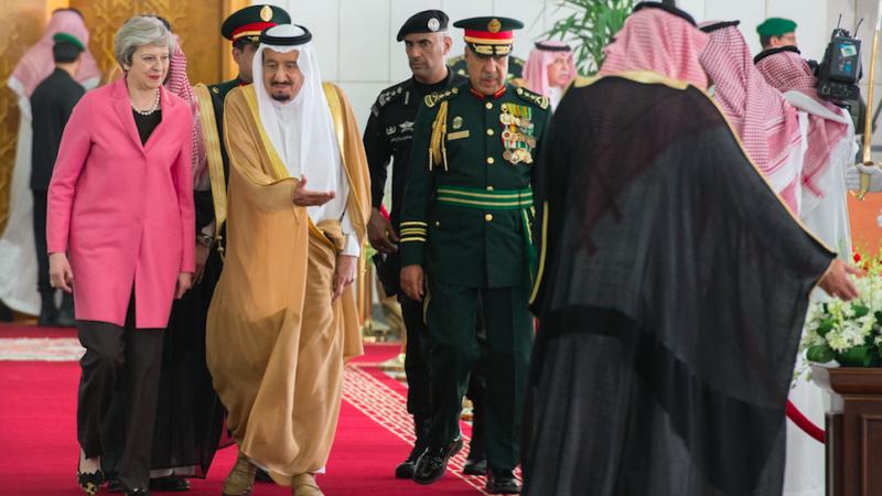 Premier Wielkiej Brytanii Theresa May oraz król Arabii Saudyjskiej Salman, źródło: Flickr/Number 10/Crown Copyright, fot. Jay Allen