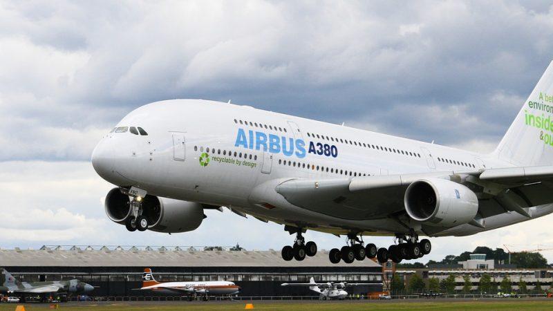 Największy samolot pasażerki na świecie, czyli Airbus A380, źródło- Pixabay, fot. mrminibike