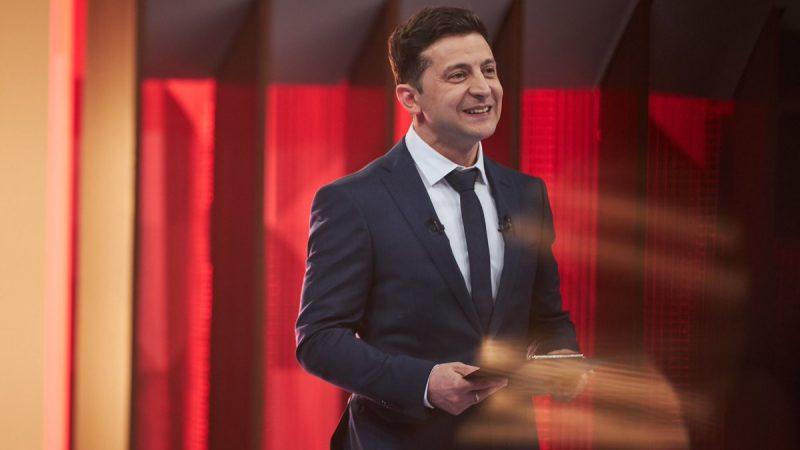 Wołodymyr Zełeński prezentuje swój zespół: ZeTeam. Źródło: Twitter ZeTeam_Official 18 kwietnia 2019