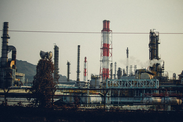 Rafineria, fot. waychen_c, Flickr