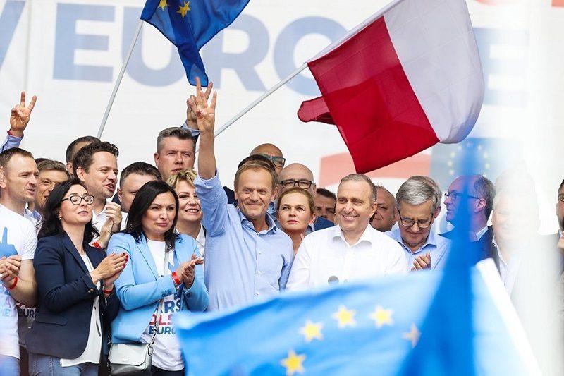 Donald Tusk na Marszu Koalicji Europejskiej Polska w Europie, źródło facebook PO