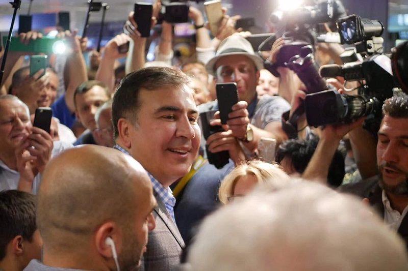 Mikcheil Saakaszwili na kijowskim lotnisku, źródło facebook SaakashviliMikheil by Українська правда