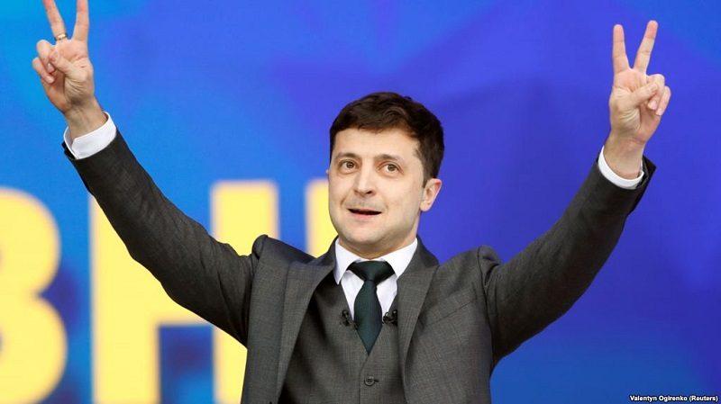 Nowy prezydent Ukrainy Wołodymyr Zełenski, źródło twitter za Valentym Ogirenko (Reuters)