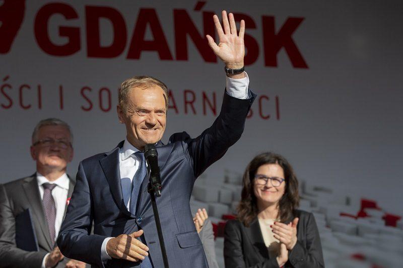 Szef RE Donald Tusk na obchodach 30. rocznicy wyborów `89 w Gdańsku, źródło Jerzy Pinkas,gdansk.pl
