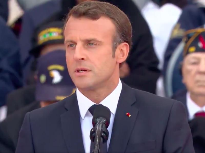 Emmanuel Macron przemawia podczas uroczystości 75. rocznicy lądowania w Normandii, źródło: Twitter/Emmanuel Macron (@EmmanuelMacron)
