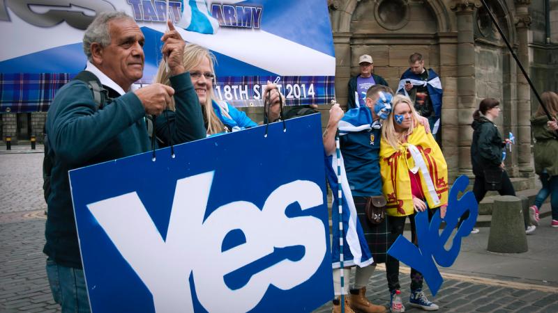 Zwolennicy niepodległości Szkocji, źródło: Flickr, fot. Maria Navarro Sorolla (CC BY-NC 2.0)
