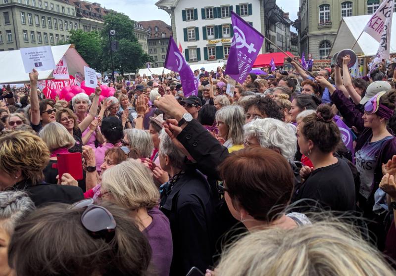 Strajk kobiet w Bernie, źródło: Twitter/Jacqueline Badran (@JayBadran)