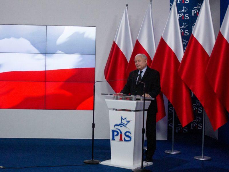 Prezes PiS Jarosław Kaczyński przedstawił jedynki na listach swojej partii, źródło pisorg.pl