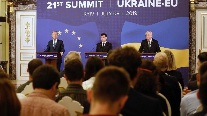 Szczyt UE-Ukraina, lipiec`19, konf.pras. Donalda Tuska, Włodymyra Zełenskiego i Jeana-Claude`a Junckera, źródło consilium