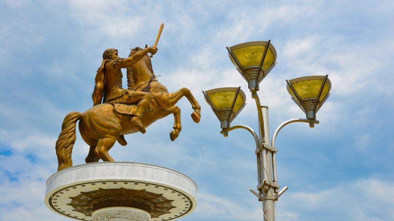"""Pomnik """"Wojownika na koniu"""" w Skopje [Pixabay]"""