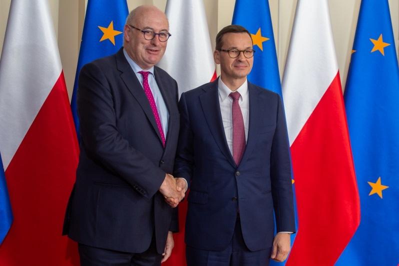 Komisarz UE ds. rolnictwa Hogan i premier Mateusz Morawiecki w Warszawie, źródło Mateusz Rzewuski KPRM