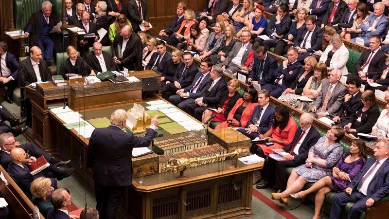 Nocne obrady Izby Gmin ws. tzw. twardego brexitu, źródło twitter UK Parliament Roger Harris Handout via Reuters