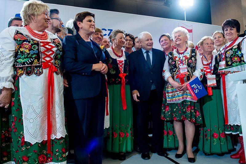 Prezes PiS Jaroslaw Kaczyński na konwencji wyborczej, źródło pis.org