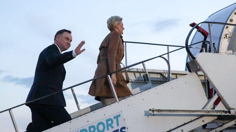 Prezydent Andrzej Duda i Agata Kornhauser-Duda w drodze do Aten na spotkanie Grupy Arraiolos, źródło Grzegorz Jakubowski KPRP