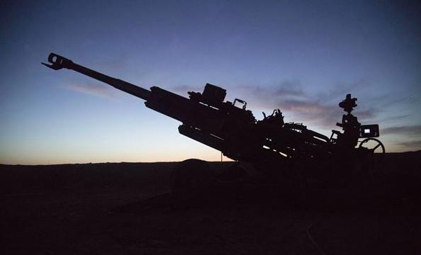 Unia Europejska zawiesza eksport broni do Turcji
