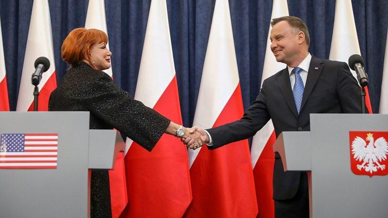 Ambasador USA Georgette Mosbacher i prezydent Andrzej Duda, od 11.11 bez wiz , źródło Krzysztof Sitkowski, KPRP