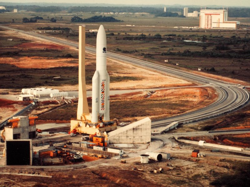 Rakieta typu Ariane 5, źródło: Flickr/SDASM Archives (CC0 Public Domain)