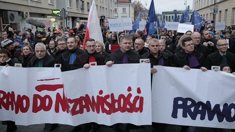 Marsz Tysiąca Tóg w Warszawie, źródło twitter.com JudgesSsp za Agencja Gazeta