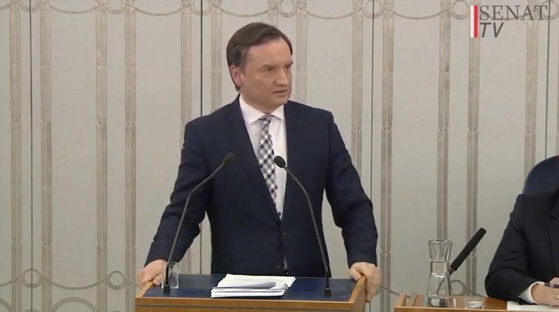 Minister sprawiedliwości Zbigniew Ziobro w Senacie, źródło fb MinisterstwoSprawiedliwosci