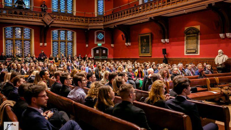 Panele dyskusyjne w Oxford Union