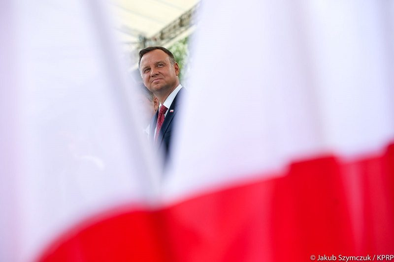 Prezydent Andrzej Duda i polska flaga, źródło Jakub Szymczuk KPRP