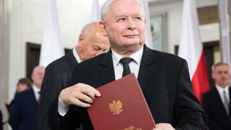 Prezes PiS Jarosław Kaczyński z poselską nominacją, źródło pis.org.pl