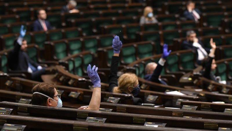 Sejm, głosowanie nad zmianą regulaminu w związku z epidemią koronawirusa, źródło Łukasz Błasikiewicz, sejm.gov