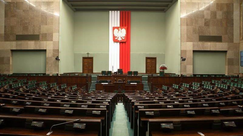 Sejm, pusta sala posiedzeń plenarnych, źródło sejm.gov