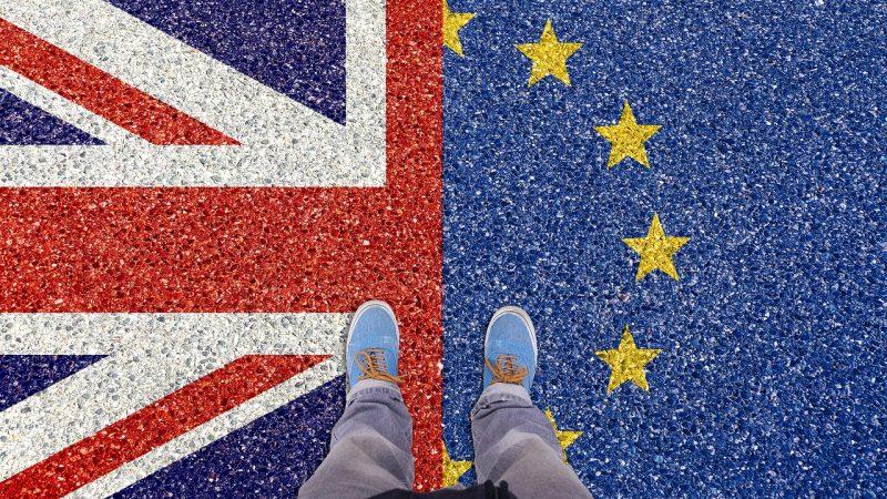 Od czasu referendum dot. wyjścia Wielkiej Brytanii z Unii, liczba brytyjskich obywateli emigrujących do innych krajów Unii Europejskiej wzrosła o 30 proc.