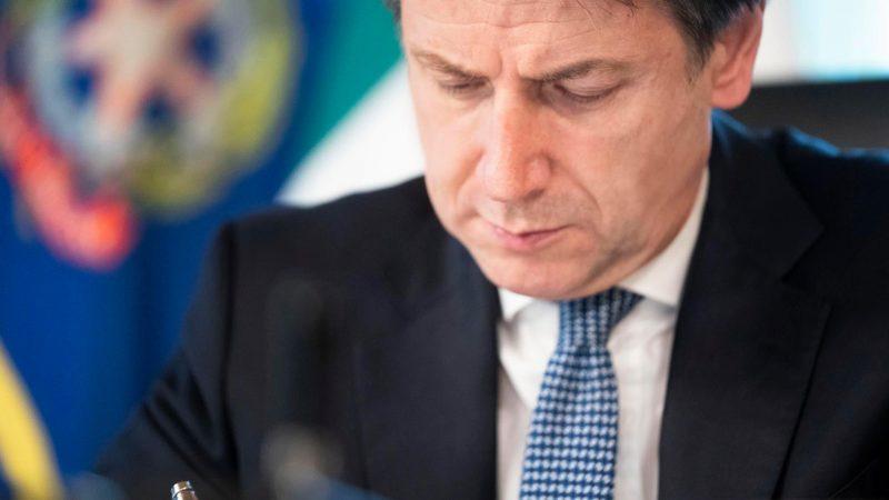 Premier Włoch Giuseppe Conte [oficjalny profil Conte na Facebooku]