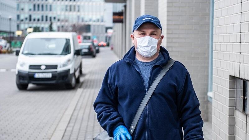 Listonosz w czasie epidemii koronawirusa, źródło twitter PocztaPolska