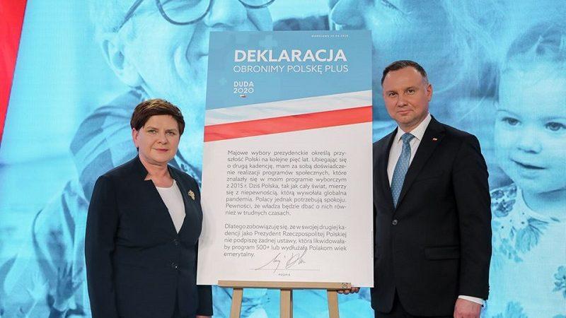 Prezydent Andrzej Duda i szefowa jego sztabu wyborczego, była premier Beata Szydło, konf.pras. Obronimy Polskę plus, źródło Andrzej Duda fb