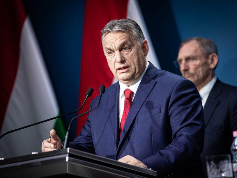 Węgierski premier Viktor Orban [oficjalny profil Orbana na Facebooku]
