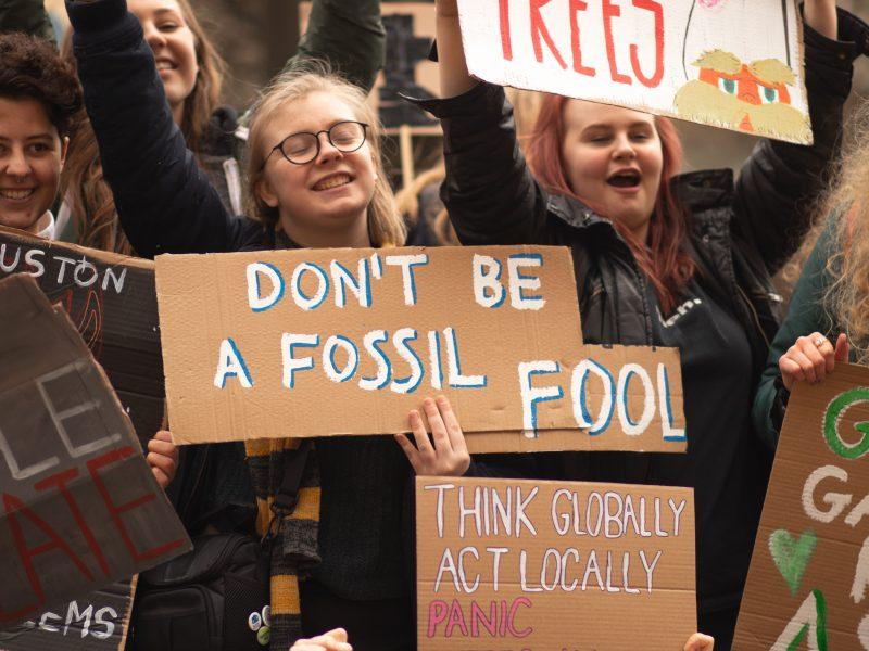 Protest klimatyczny, fot. Callum Shaw [Unsplash]
