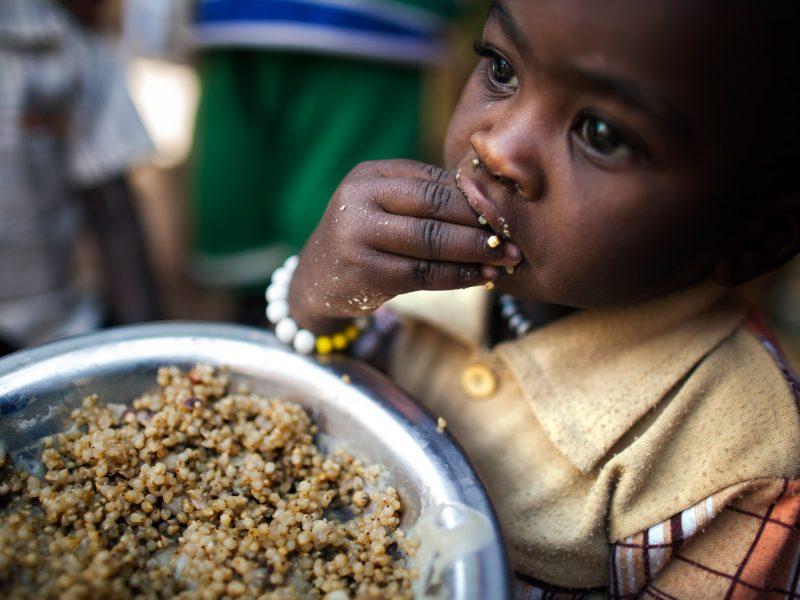 Bank Światowy informuje, że gospodarcze skutki pandemii koronawirusa wpędzą w ubóstwo dodatkowo 60 mln osób na świecie