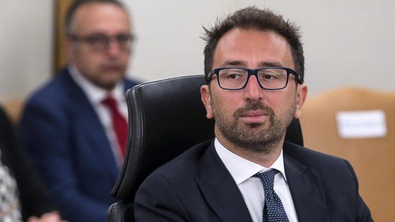 Minister sprawiedliwości Alfonso Bonafede do końca nie mógł być pewnym ostatecznego wyniku głosowania w Senacie