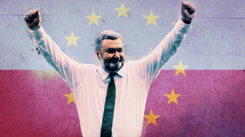 Europoseł PiS Karol Karski, fot. Facebook Karola Karskiego. Opracowanie graficzne: EURACTIV.pl