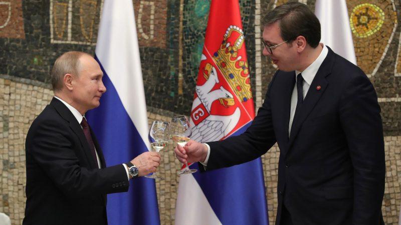 Prezydent Rosji Władimir Putin i prezydent Serbii Aleksander Vucić, fot. en.kremlin.ru