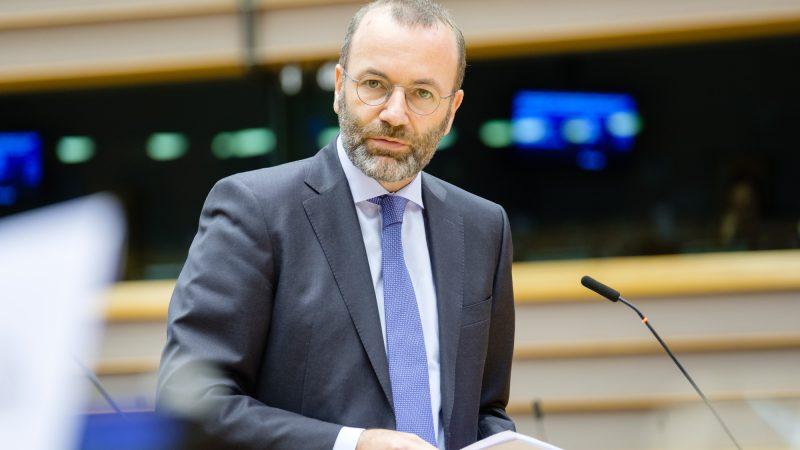 Przewodniczący grupy poselskiej Europejskiej Partii Ludowejw PE Manfred Weber [foto via @Manfred Weber Twitter]
