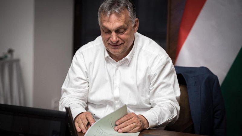 Węgierski premier Viktor Orbán [foto via @ Orbán Facebook]