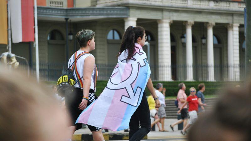 Nowa węgierska ustawa uniemożliwia zmianępłci w dokumentach dotyczących stanu cywilnego (Photo by Delia Giandeini on Unsplash)